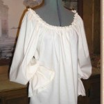 Lace trimmed Renaissance Pirate Peasant Wench blouse chemise